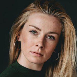 Nederlandse stemacteur voice-over naomi